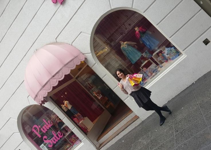 Barbie Store: Avenida Raúl Scalabrini Ortiz 3170 - Ciudad Autónoma de Buenos Aires, Argentina