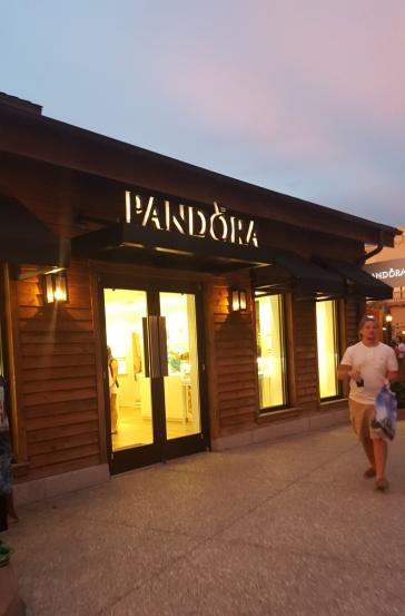 Pandora da Disney Springs